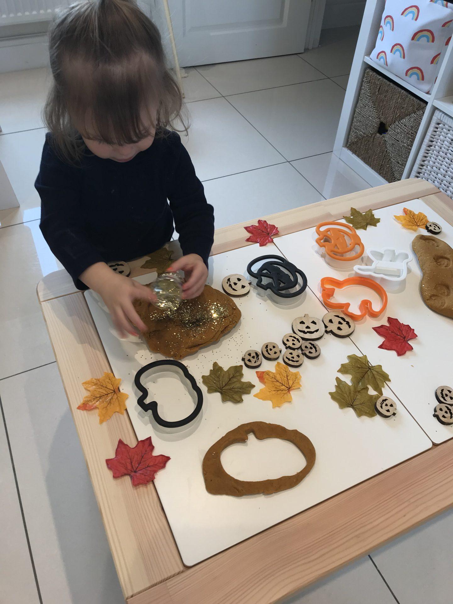 Bioglitter Pumpkin Play Dough 🎃✨🎃✨